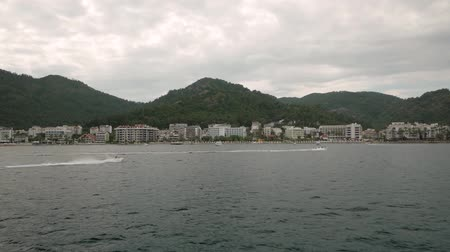 hilâl : Overcast day on the islands