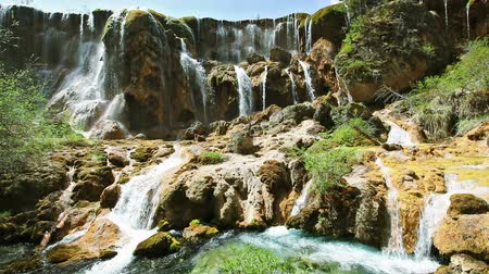 vallei : Waterval in Jiuzhaigou Valley, Sichuan, China