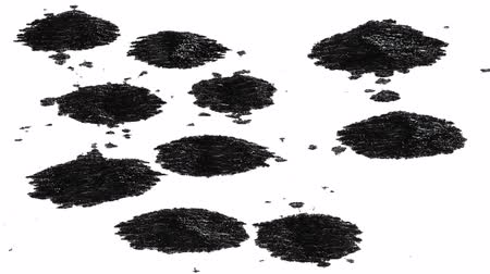 rozlití : Ink blot dripping, isolated on white background