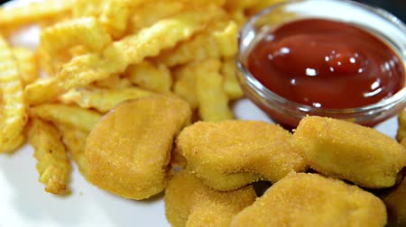 tavuk : Chicken Nuggets with Fries (loopable)