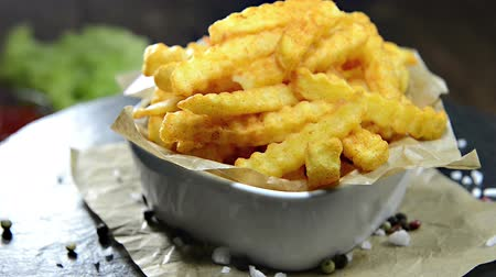frites : Portion of French Fries (not loopable)