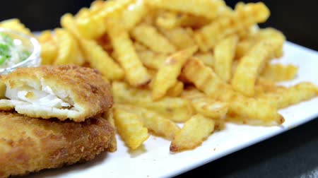 carne : Fish with a portion of French Fries (not seamless loopable) Vídeos