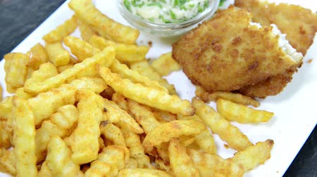 carne : Fish with French Fries (not loopable)