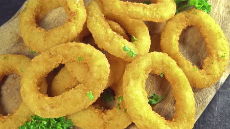 глубоко : Onion Rings (loopable) Стоковые видеозаписи