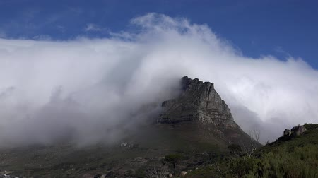 güney : Clouds above the Table Mountain Cape Town, South Africa