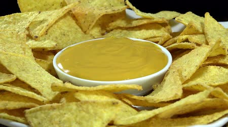 sýr : Rotating Nachos with cheese dip not loopable