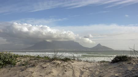 introduction video : Cape Town (view from Bloubergstrand) as 4K UHD footage