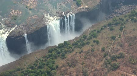 işe : Victoria Falls (and Zambezi River) as 4K aerial footage (made from a helicopter)