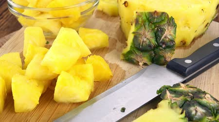 ensalada de frutas : Chopped Pineapple as seamless loopable 4K footage
