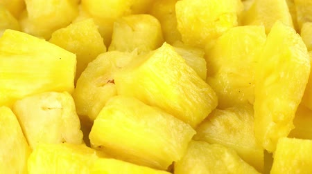 ensalada de frutas : Rotating Diced Pineapple (seamless loopable 4K UHD footage)