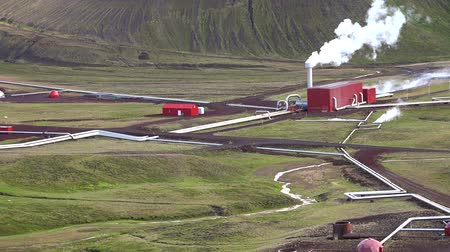 geiser : Hverir Geothermal Area near Myvatn Stockvideo