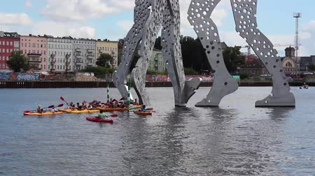 kano : kayak boats  canoes on river spree, Berlin Stok Video