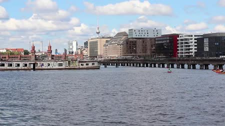 oberbaum : kayak boats  canoes on river spree, Berlin Stock Footage
