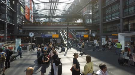 hall : People at crowded main train station (Berlin Hauptbahnhof) in Berlin, Germany - time lapse. Stock mozgókép