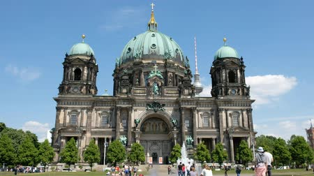 evangelical : People in front of the Berlin Cathedral on a summer day in Berlin