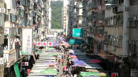 kola : Fa Yuen Street Market in Mong Kok. It is a famous street market in Hong Kong