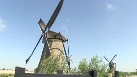młyn : Dutch windmills near Kinderdijk, The Netherlands Wideo