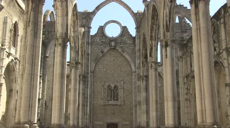 földrengés : The ruins of the Carmo Church in Lisbon, Portugal
