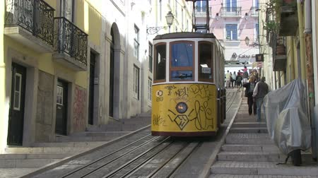 portugalsko : Tradition tram in Lisbon, Portugal