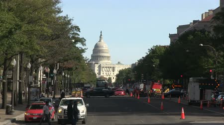 The US Capitol and Pennsylvania Avenue in Washington, DC Stok Video