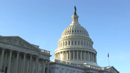 The US Capitol on Capitol Hill in Washington, DC Stok Video