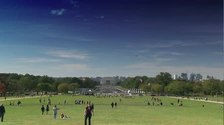 reflexionando : Lapso de tiempo del Lincoln Memorial en el National Mall en Washington, DC Archivo de Video