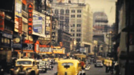 régi : The old historic Strand Theatre in busy downtown New York City in 1940.