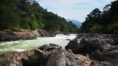 Ланка : Asia Sri Lanka mountain river raging torrent of water, a great place for rafting