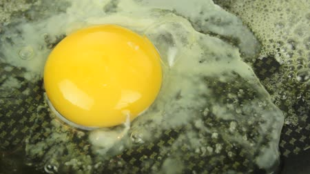 ovo : Fried egg.  ( Silent ) Stock Footage