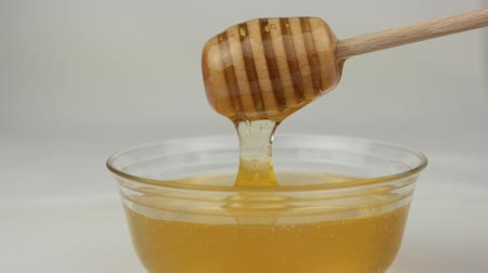 kahvaltı : Honey in glass bowl and honey dipper