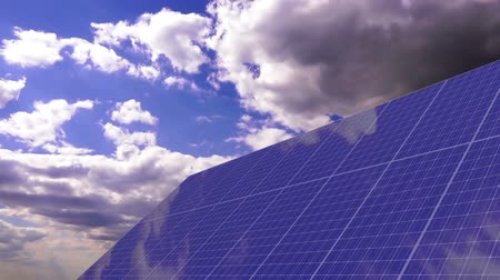 панель : Solar panels under cloudscape sky - time lapse Стоковые видеозаписи