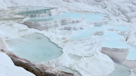 povodí : Travertines with turquoise water in Pamukkale.