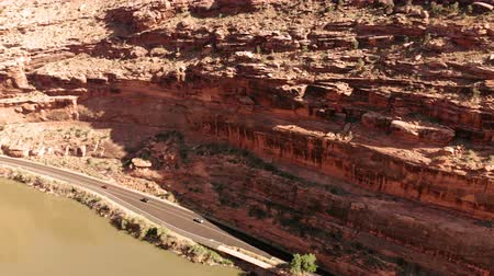 klimaat : The City of Moab Utah, Verenigde Staten. Rode rotslandschappen, Colorado River. Luchtfoto, van bovenaf, drone shot