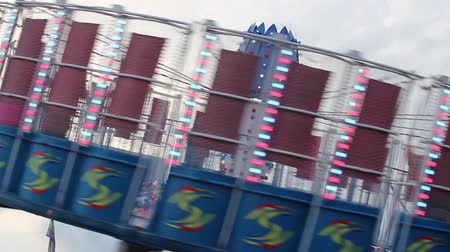 karnaval : The Spinning Gravitron-esk Ride at the Carnival