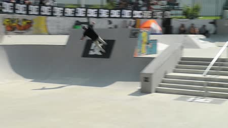 esemény : VISEU, PORTUGAL - JULY 27, 2014: Ruben Rodrigues during the 2nd Stage DC Skate Challenge by Fuel TV.