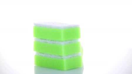 rozlití : Kitchen sponges isolated over white background.