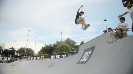 patim : ALBUFEIRA PORTUGAL  OCTOBER 4 2014: Pedro Roseiro during the 3rd Stage DC Skate Challenge by Fuel TV. Vídeos