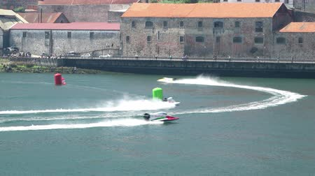 гонка : PORTO, PORTUGAL - AUGUST 1, 2015: Elisa Leidi ITA during the U.I.M. F1H2O World Championship in Porto, Portugal.