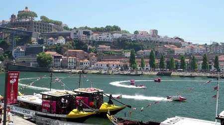 formuła : PORTO, PORTUGAL - AUGUST 1, 2015: Douro river panorama during the U.I.M. F1H2O World Championship in Porto, Portugal. Wideo