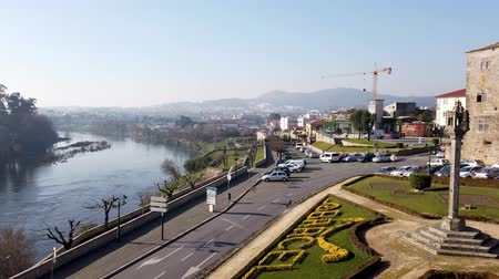 eski şehir : BARCELOS, PORTUGAL - CIRCA JAUARY 2019: View from the Barcelos city with Cavado river in Portugal. It is one of the growing municipalities in the country.