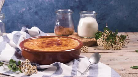 brulee : Leite creme, portuguese desert similar to creme brulee, cream brulee and burnt cream.