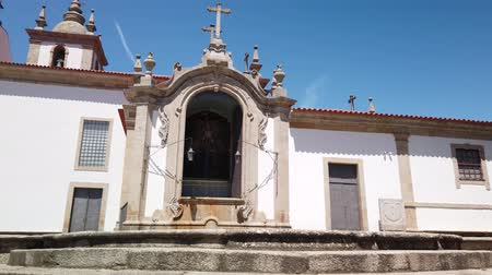 наследие : Vew of the Parochial Church in the historic center of the village of Arcos de Valdevez. Стоковые видеозаписи
