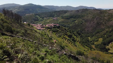 tibet : Viewpoint of the Terraces (Miradouro dos Socalcos), overlooking the Agricultural terraces (famous Tibete style landscape view), Porta Cova place, Sistelo, Arcos de Valdevez, Portugal. Stok Video