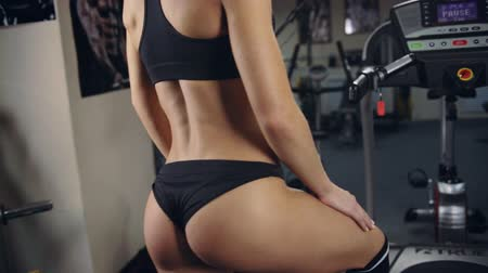gym : Sexy girl in gym