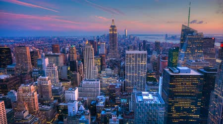 urban skyline : 4K UltraHD A beautiful timelapse of nightfall in the heart of Manhattan Stock Footage