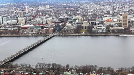 arka görünüm : Aerial view of the city of Boston, Massachusetts along the Charles River Stok Video
