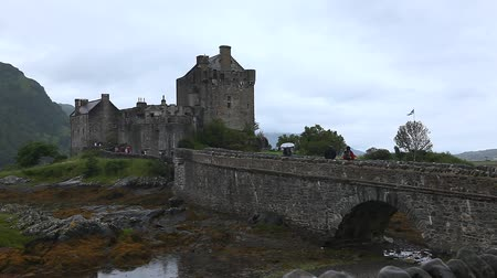 felvidéki : Eileen Donan Castle, found in Scotland