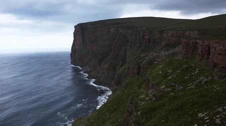 pedregulho : St Johns Head sea cliffs in Orkney, Scotland Stock Footage