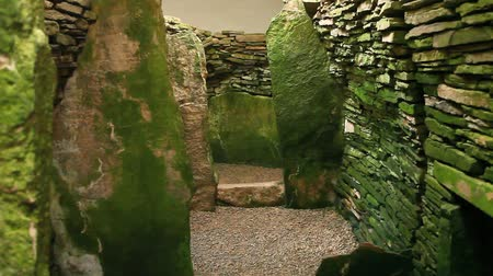 мистический : Unstan Cairn, a neolithic burial cairn in Orkney, Scotland
