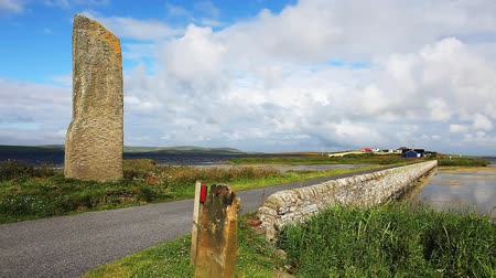 arqueológico : The Watchstone, a large Standing Stone in  Orkney, Scotland Stock Footage